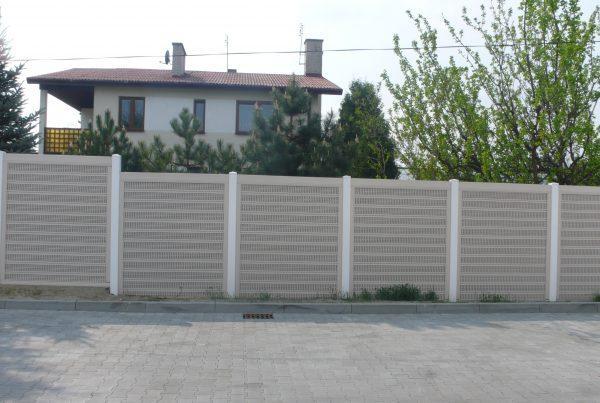 Ogrodzenia plastikowe dzwiękochłonne zaa ogrodzeniaplastikowe.pl/galeria-ogrodzen-akustycznych/